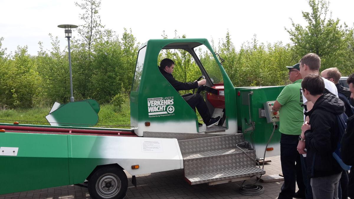 Aktion junge Fahrer starte in Stralsund • Regionales Berufliches ...